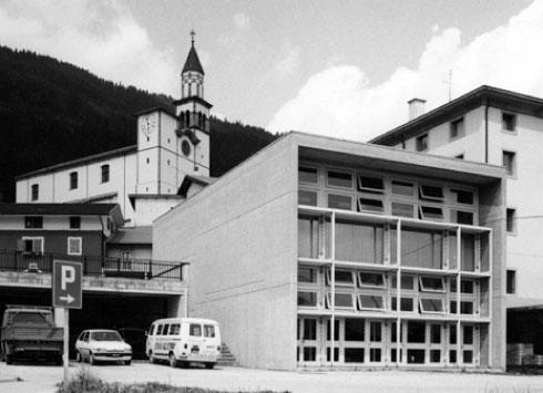 Town Hall, Sutrio
